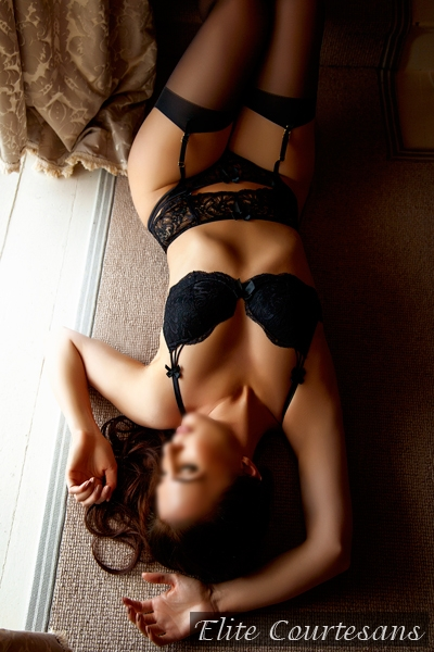 Gorgeous escort available for outcalls in Birmingham