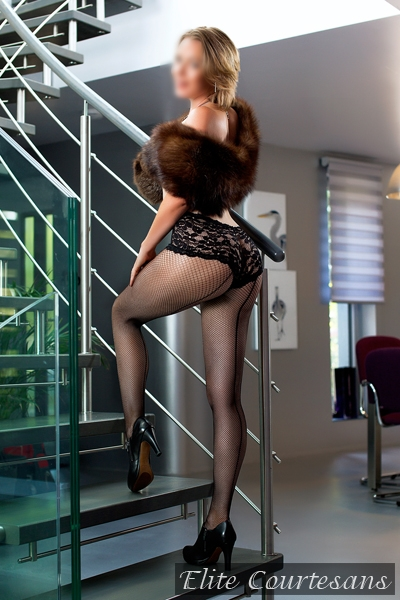 Mild British escort in Surrey and Gatwick