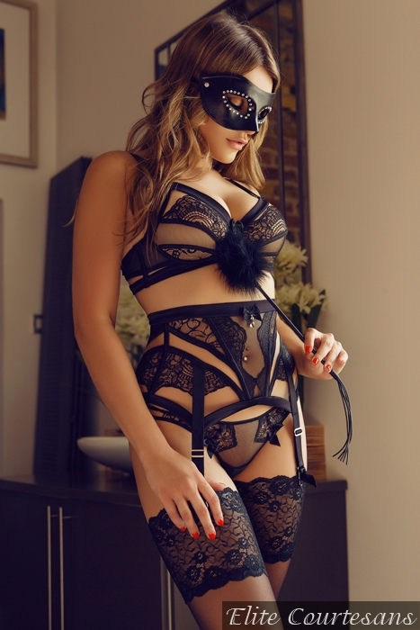 Georgia visits gents wearing her finest lingerie